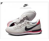 Nike Internationalist cep/чёр.